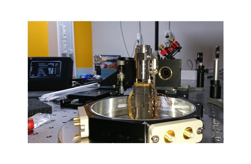 optical cryostat Photonic Probe Station 1