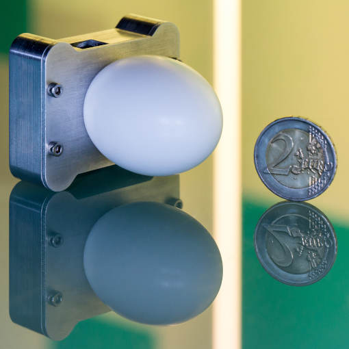 High resolution FMCW Radar System interferomentric displacement sensor